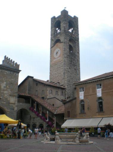 bergamo_piazza_vecchia_01