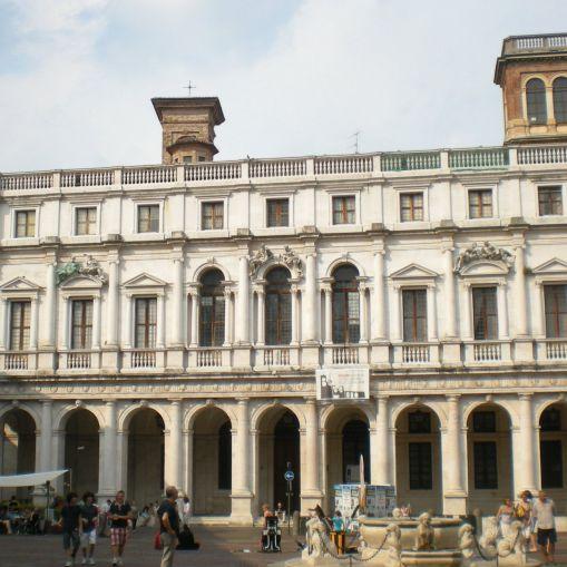 bergamo_piazza_vecchia_02